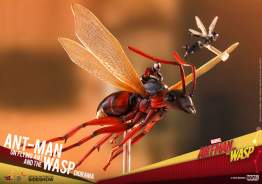 Ant-Man on Flying Ant and the Wasp Diorama