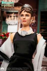 Star Ace - 1/4 Scale Audrey Hepburn as Holly Golightly