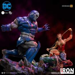 Iron Studios - Wonder Woman Vs Darkseid Sixth Scale Diorama
