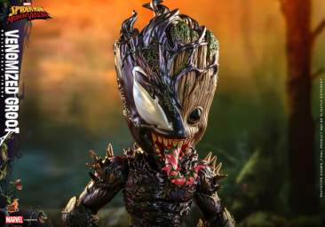 The Spider-Man: Maximum Venom - Venomized Groot Life Size