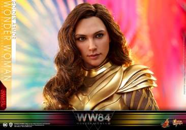 Wonder Woman 1984 -  Golden Armor Wonder Woman (Deluxe)