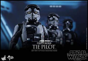 Star Wars: The Force Awakens - 1/6th scale First Order TIE Pilot