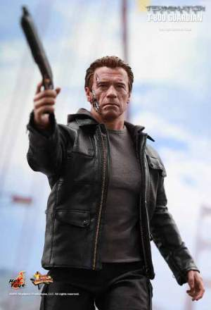 Terminator Genisys: 1/6th scale T-800 Guardian