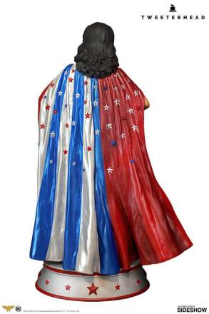 Tweeterhead - Wonder Woman Cape Variant Maquette