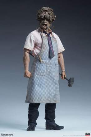 Leatherface Deluxe Sixth Scale Figure