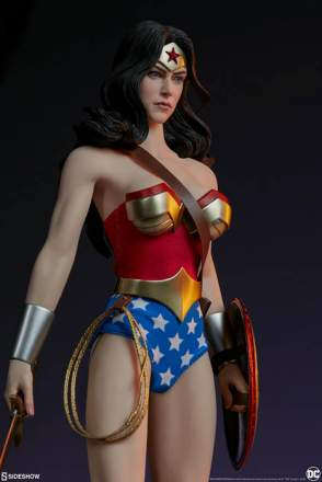 Sideshow - 1/6 Scale Wonder Woman